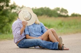 Lindsey + Kyle Engagements | Two Birds One Stone Wedding {Abilene, TX Wedding Photographer}